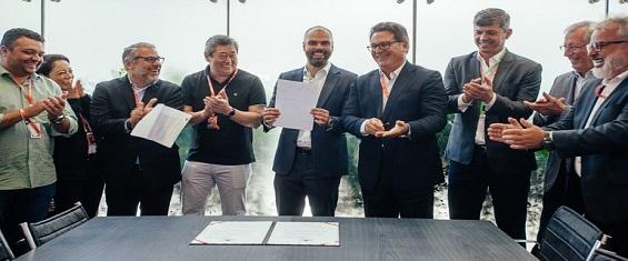 Prefeito e autoridades municipais recebem R$ 83 milhões do governo federal para obras no Autódromo de Interlagos e da Fábrica do Samba
