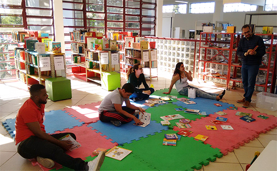 A Hora de Mediação Literária  Biblioteca Cora Coralina